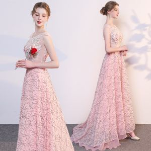 Affordable Pearl Pink Evening Dresses  2019 A-Line / Princess Scoop Neck Sleeveless Appliques Lace Pearl Rhinestone Sweep Train Ruffle Backless Formal Dresses