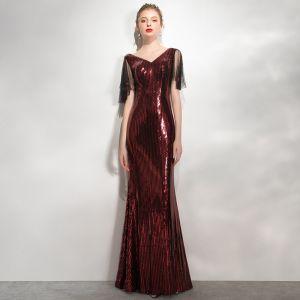 Błyszczące Burgund Cekiny Sukienki Wieczorowe 2020 Syrena / Rozkloszowane V-Szyja Kótkie Rękawy Bez Pleców Długie Sukienki Wizytowe