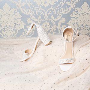 Único Blanco Boda Sandalias 2019 7 cm Cuero Rebordear Perla Rhinestone Peep Toe Stilettos / Tacones De Aguja Zapatos de novia