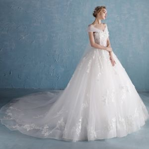 Chic / Beautiful White Wedding Dresses 2018 A-Line / Princess Sweetheart Short Sleeve Backless Appliques Lace Flower Beading Pearl Chapel Train Ruffle