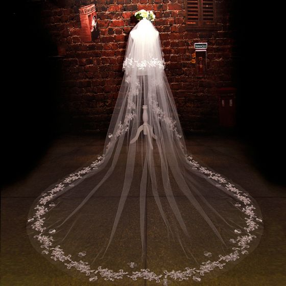 Luxury / Gorgeous 2017 White Appliques Tulle Lace Evening Party Wedding Veils