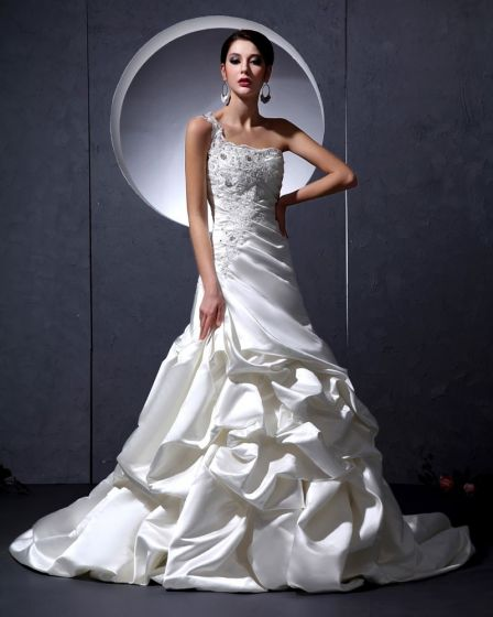 Fashion Satin Beaded Ruffle One Shoulder Embroidery Court A-Line Bridal Gown Wedding Dresses