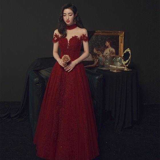 Fabulous Burgundy Prom Dresses 2021 A-Line / Princess High Neck Beading Crystal Lace Flower Short Sleeve Backless Floor-Length / Long Formal Dresses