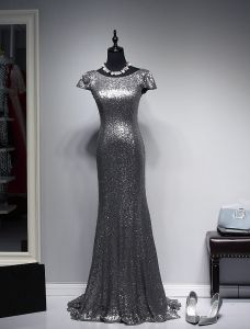 Sparkly Evening Dresses 2016 Mermaid Scoop Neck Cap Sleeves Silver Sequin Backless Formal Dress