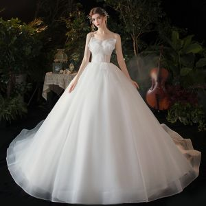 Modest / Simple White Bridal Wedding Dresses 2020 Ball Gown Spaghetti Straps Sleeveless Backless Bow Chapel Train Ruffle