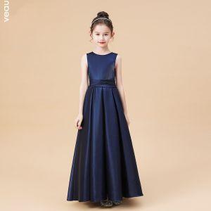 Proste / Simple Granatowe Satyna Sukienki Dla Dziewczynek 2020 Princessa Wycięciem Bez Rękawów Kokarda Szarfa Długie Wzburzyć