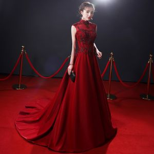 Chinese style Burgundy Evening Dresses  2018 A-Line / Princess Beading Crystal Pearl Lace Flower High Neck Backless Sleeveless Sweep Train Formal Dresses