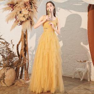 Asequible Amarillo Vestidos de gala 2020 A-Line / Princess Spaghetti Straps Sin Mangas Rhinestone Largos Volantes En Cascada Sin Espalda Vestidos Formales