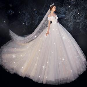 Hermoso Marfil Vestidos De Novia 2019 Ball Gown Fuera Del Hombro Manga Corta Sin Espalda Glitter Tul Rebordear Royal Train Ruffle