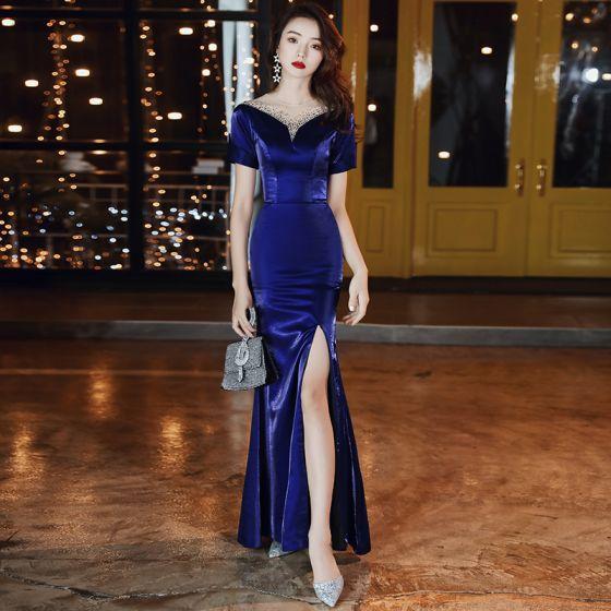 Vintage Azul Real Terciopelo Vestidos de noche 2020 Trumpet / Mermaid Transparentes Scoop Escote Manga Corta Rhinestone Delante De Split Largos Vestidos Formales