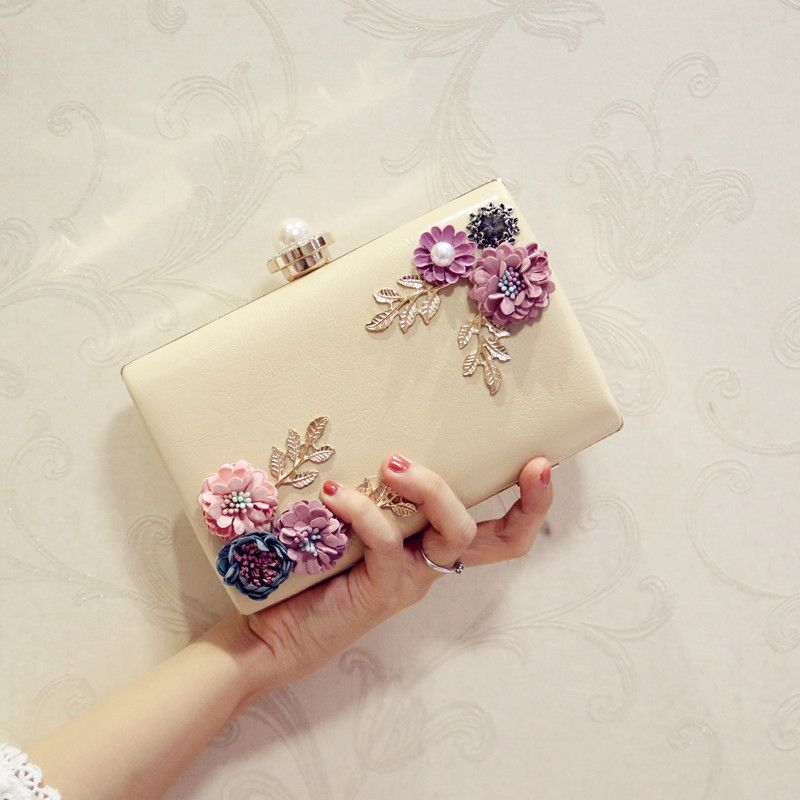 Luxury / Gorgeous 2017 White Pearl Pink Red Black Apricot / Beige Leaf Ankle Strap PU Beach Church Outdoor / Garden Clutch Bags