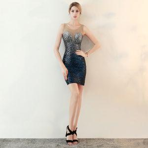 Błyszczące Granatowe Cekiny Przezroczyste Strona Sukienka 2018 Syrena / Rozkloszowane Wycięciem Bez Rękawów Rhinestone Krótkie Sukienki Wizytowe