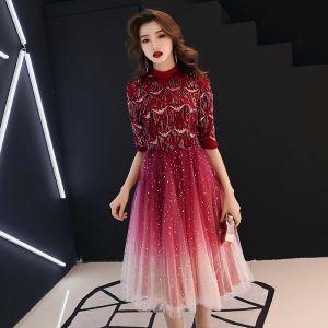 Elegant Burgundy Homecoming Graduation Dresses 2019 A-Line / Princess High Neck 1/2 Sleeves Sequins Tassel Glitter Tulle Tea-length Ruffle Formal Dresses
