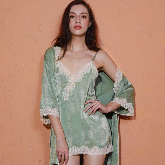 Sexy Sage Green V-Neck 3/4 Sleeve Wedding Bridal Bridesmaid Velour Winter Robes 2020 Lace Sash