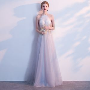 Piękne Szary Sukienki Wieczorowe 2018 Princessa Aplikacje Posiadacz Bez Pleców Bez Rękawów Długie Sukienki Wizytowe