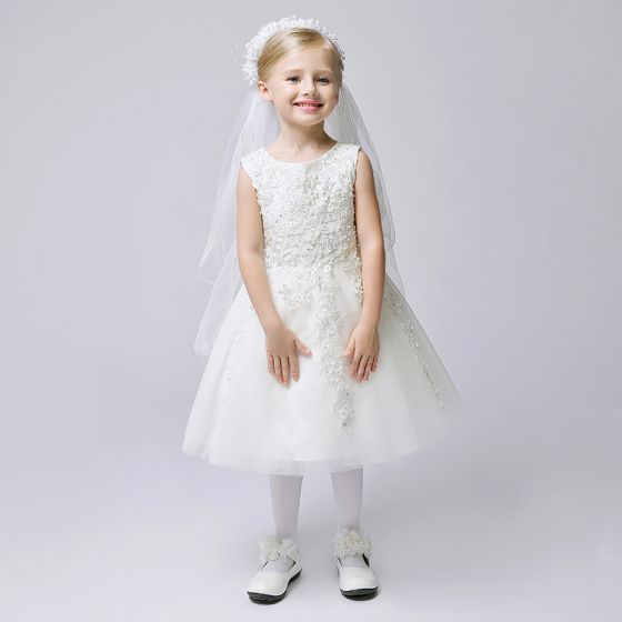 Chic / Beautiful Church Wedding Party Dresses 2017 Flower Girl Dresses White A-Line / Princess Knee-Length Scoop Neck Sleeveless Lace Appliques Pearl Sequins Beading