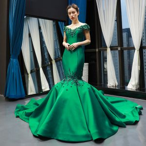 Luxury / Gorgeous Dark Green Satin Red Carpet Evening Dresses  2020 Trumpet / Mermaid See-through Scoop Neck Short Sleeve Appliques Flower Beading Chapel Train Ruffle Formal Dresses