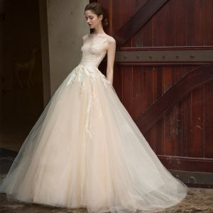 Chic / Beautiful Champagne Tulle Wedding Dresses 2017 A-Line / Princess Scoop Neck Sleeveless Crossed Straps Appliques Lace Sweep Train