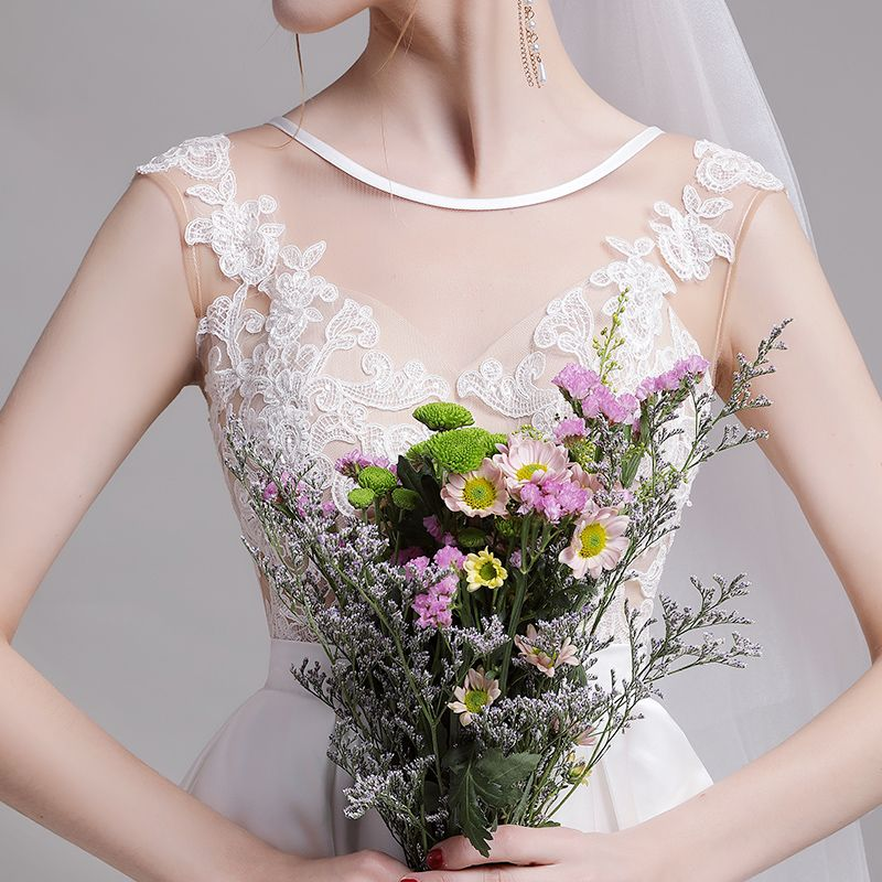 Classy White Beach Wedding Dresses 2019 A-Line / Princess Scoop Neck Pearl Lace Flower Sleeveless Backless Sweep Train