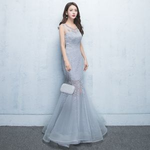 Chic / Beautiful Grey Evening Dresses  2017 A-Line / Princess Lace Flower Pearl Scoop Neck Zipper Up Sleeveless Floor-Length / Long Formal Dresses