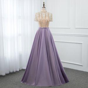Vintage Lavendel Satin Durchsichtige Abendkleider 2019 A Linie Stehkragen Kurze Ärmel Perlenstickerei Lange Rüschen Festliche Kleider