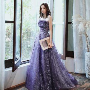 Charmant Violett Abendkleider 2020 A Linie Bandeau Perlenstickerei Pailletten Spitze Blumen Ärmellos Rückenfreies Lange Festliche Kleider