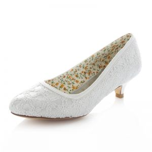 Beautiful Lace Bridal Shoes Kitten Heel White Pumps