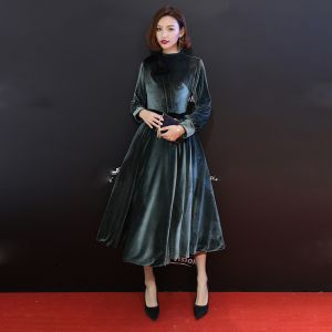 Modest / Simple Ink Blue Suede Winter Evening Dresses  2019 A-Line / Princess Scoop Neck Long Sleeve Tea-length Ruffle Formal Dresses