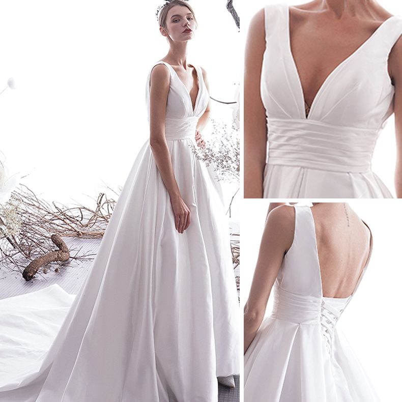 Modest / Simple Ivory Wedding Dresses 2019 A-Line / Princess V-Neck Sleeveless Backless Cathedral Train