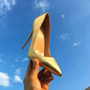 Schöne Gold Karneval Club Pumps 2019 Leder 10 cm Stilettos Spitzschuh Pumps