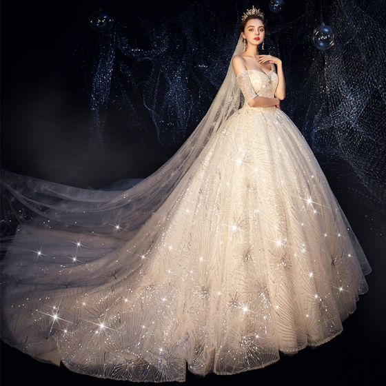 Bling Bling Champagne Robe De Mariée 2019 Robe Boule De l'épaule Manches Courtes Dos Nu Glitter Paillettes Cathedral Train Volants