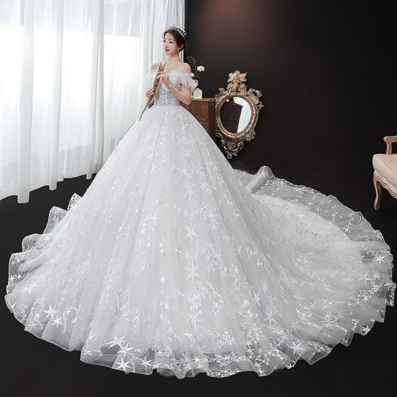 Chic / Beautiful White Bridal Wedding Dresses 2020 Ball Gown Off-The-Shoulder Short Sleeve Star Backless Appliques Lace Beading Cathedral Train Ruffle