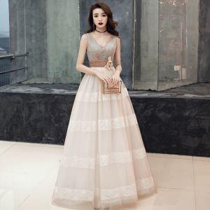 Elegantes Champán Vestidos de gala 2019 Empire V-Cuello Sin Mangas Cinturón Apliques Con Encaje Colas De Barrido Ruffle Sin Espalda Vestidos Formales