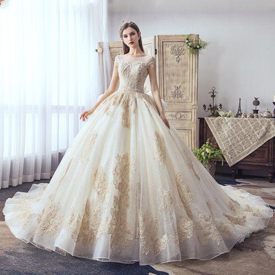 Luksusowe Szampan Suknie Ślubne 2019 Princessa Wycięciem Wykonany Ręcznie Frezowanie Perła Cekiny Rhinestone Z Koronki Kwiat Kótkie Rękawy Bez Pleców Trenem Katedra