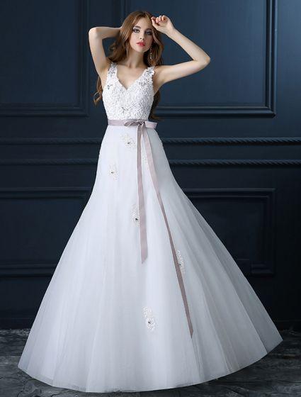 Vakker A-linje V-hals Brudekjoler Applique Blonder Bryllups Kjole Med Sash