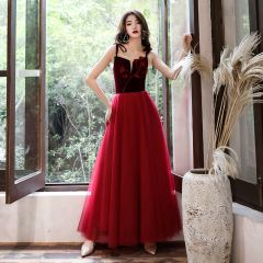 Affordable Burgundy Suede Evening Dresses  2020 A-Line / Princess Shoulders Sleeveless Appliques Flower Beading Floor-Length / Long Ruffle Backless Formal Dresses