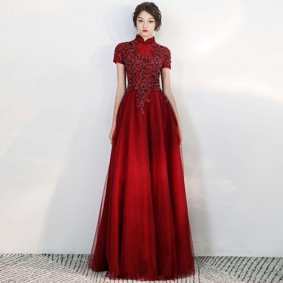 Vintage / Retro Burgundy Evening Dresses  2020 A-Line / Princess High Neck Short Sleeve Appliques Lace Beading Floor-Length / Long Ruffle Backless Formal Dresses