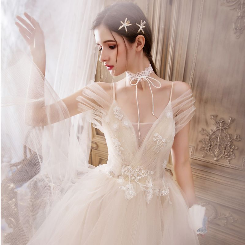 Romantic Champagne Outdoor / Garden Wedding Dresses 2019 A-Line / Princess Spaghetti Straps Sleeveless Backless Appliques Lace Beading Court Train Ruffle