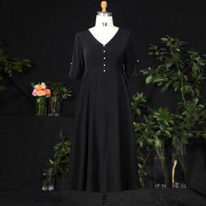 Classique Élégant Noire Grande Taille Robe De Soirée 2021 Princesse V-Cou 1/2 Manches Satin Boucle Perle Couleur Unie Soirée Courte Robe De Ceremonie