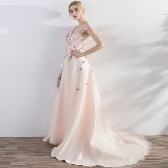 Elegant Pearl Pink Evening Dresses  2017 A-Line / Princess Lace Flower Pearl Bow V-Neck Backless Crossed Straps Sleeveless Court Train Evening Party