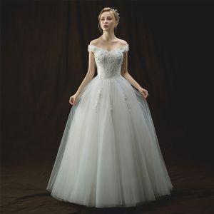 Chic / Belle Ivoire Robe De Mariée 2018 Princesse De l'épaule Manches Courtes Dos Nu Appliques En Dentelle Fleur Perle Paillettes Longue Volants