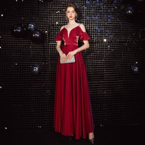 Chic / Beautiful Burgundy Evening Dresses  2020 A-Line / Princess Spaghetti Straps Bow Short Sleeve Backless Floor-Length / Long Formal Dresses