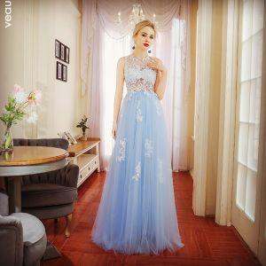 Fine Himmelen Blå Selskapskjoler 2017 Prinsesse Blonder Appliques Scoop Halsen Uten Ermer Lange Formelle Kjoler