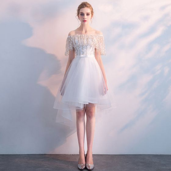 Chic / Beautiful White Bridesmaid Dresses 2018 A-Line / Princess Off-The-Shoulder Short Sleeve Appliques Lace Bow Sash Ruffle Backless Wedding Party Dresses