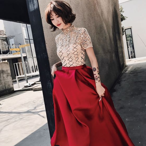 Luxury / Gorgeous Burgundy Evening Dresses  2018 A-Line / Princess High Neck Short Sleeve Beading Sweep Train Ruffle Formal Dresses