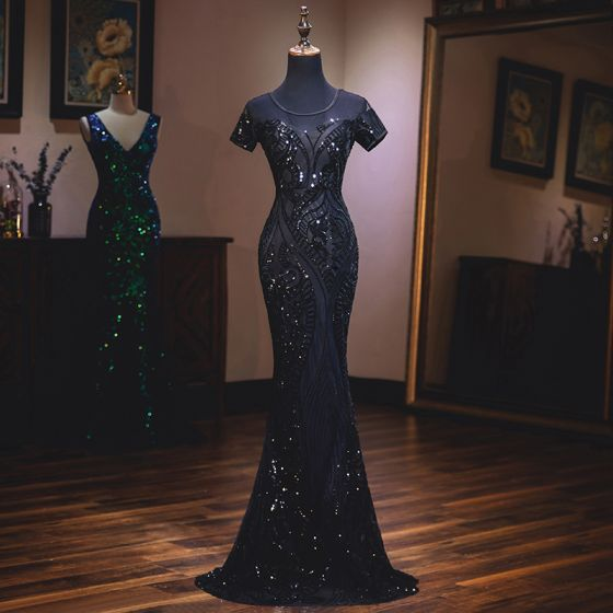 Elegante Schwarz Abendkleider 2019 Meerjungfrau Rundhalsausschnitt Perlenstickerei Pailletten Kurze Ärmel Rückenfreies Sweep / Pinsel Zug Festliche Kleider