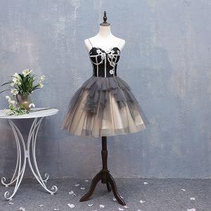 Vintage Negro Gris Vestidos de cóctel 2018 Ball Gown Apliques Spaghetti Straps Sin Espalda Sin Mangas Cortos Fiesta Vestidos Formales