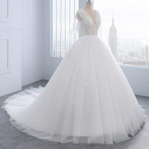 Mode Elfenben Bröllopsklänningar 2018 Prinsessa Beading Pärla Spets Blomma Urringning Långärmad Domstol Tåg Bröllop