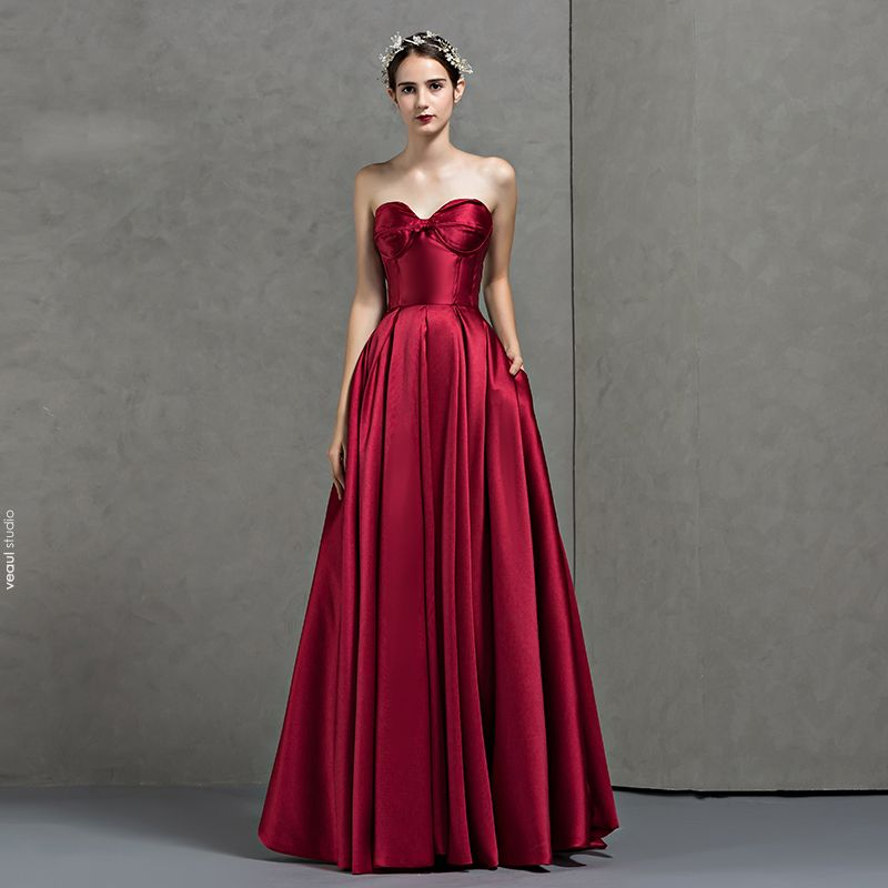 Modest / Simple Burgundy Evening Dresses  2018 A-Line / Princess Sweetheart Sleeveless Floor-Length / Long Ruffle Backless Formal Dresses