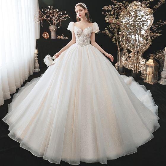 Uroczy Moda Szampan Frezowanie Cekiny Suknie Ślubne 2021 Suknia Balowa Wycięciem Aplikacje Kótkie Rękawy Bez Pleców Trenem Królewski Ślub